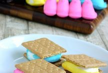 Yummy S'mores / All kinds of delicious ways to make s'mores!