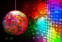 Dòng nhạc Disco / Tiếp nối trong chuỗi bài về các thể loại nhạc, hôm nay ADAM Muzic sẽ chia sẽ, giới thiệu với các bạn một thể loại nhạc dance mà mang trong nó những cột mốc rất ấn tượng để rồi vươn lên và phát triển như ngày nay. Dòng nhạc chúng tôi đang nhắc đến là Disco, các bạn hãy cùng ADAM Muzic tìm hiểu thêm về thể loại nhạc này trong bài viết dưới đây nhé.