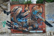 Palermo (Italy) Streets art / Gli artisti di strada colorano le strade di Palermo. Spesso i luoghi che scelgono sono pezzi di città degradati. Vecchi edifici fatiscenti e angoli di quartieri marginalizzati, benché si trovano in pieno centro storico, diventano quadri. Alcuni sono vera arte. Tutti hanno uno stile e una forza espressiva particolare