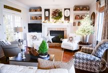 Decorate your Christmas Home like a Pro! / See How Bloggers Deck Their Halls for Christmas