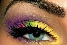Värikkäät silmämeikit