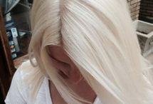 blonde hair platinum