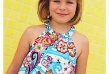 Nosotros laTelaFeliz / Te invitamos a descubir nuestros productos! Telas estampadas, vestidos para niños y complementos hecho con telas bonitas.