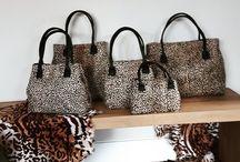 Tassen / Handgemaakte en zelf ontworpen handtassen van leer en huiden.