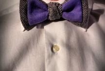Natural Born Elegance, papillon e cravatte / Natural born Elegance - Un'eredità senza tempo. Questo è il concept base della boutique online per il neckwear, realizzato esclusivamente con i tessuti del Lanificio F.lli Cerruti, 100% Made in Italy. Una maison, dalle vecchie tradizioni artigianali, che vive di Made in italy dal 1881. La nuova boutique online del Lanificio F.lli Cerruti si compone di cravatte e papillon unisex, caratterizzati da abbinamenti cromatici e materiali differenti.