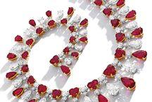 Extraordinary jewels