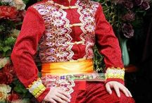 World's Traditional Dresses / by Rajiv Dave