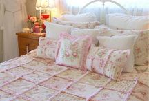 Shabby Chic Quilts ♥ / by Marilyn Callan