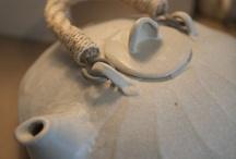 TEA POTS / by AnaMaria Catarino Doria