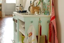 play kitchens / DIY - play kitchens / by Julie Smith