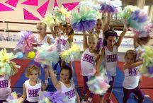 Cheerleading Pom Poms / All things Pom Pom