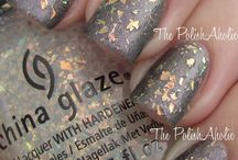 Culori China Glaze disponibile in salon!
