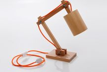 """Mopreza na 26 Craft Design. / As luminárias e abajures do designer Igor Hatanda tem como objetivo principal difundir o conceito do """"design feito à mão ou indie design"""", atribuindo características como o uso de matéria prima e materiais de excelente qualidade."""