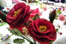 İğne oyası çiçekler