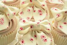 Cupcakes / by JoAnna Taylor