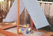 Piha lapsille / Kid-friendly yard / Ideoita lapsiperheen pihalle: hiekkalaatikko, keinu, liukumäki, pihakeittiö, kiipeilyteline, puumaja, pihaleikit- ja pelit.