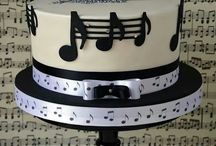 Piano Cakes / http://howtoplaythepianoforbeginners.net/