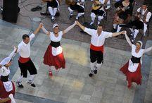 Traditions et Folklores à Canet en Roussillon / Le pays catalan à l'honneur... Venez découvrir toute la chaleur d'un peuple sang et or. #ILoveCanet