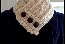 Cable crochet cowl / by Peggy Guerrero