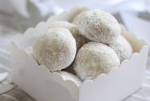 Italian wedding desserts and cookies