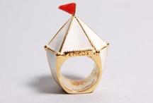 Jewellery I like / by Madalina Pop