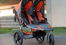 BOB Revolution SE Duallie Stroller / BOB has come up with this double jogger stroller which accommodates around two kids and makes it easy for parents and guardians to move through congested areas such as markets, zoos, parks and even beaches. It is the perfect blend of convenience and comfort for both parents and children with all the features you would look for in a stroller.