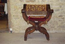 Sieges,meubles et tissu haute époque renaissance louis XIII hommage à Bruno Perrier / Siège pliant dit Dantesca