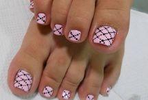 pedikura-nails
