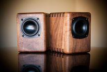 Sound boxes. Папа купил новые колонки ..)