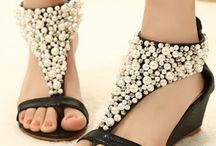 #Shoes { #woman }