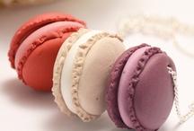 Macaron / Seeing macarons always makes me smile. :)