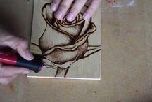 técnica de piro grabar sobre madera