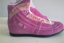 CUSTOMIZATION / We embroider your name on the shoes