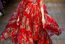 Dolce & Gabbana / Spettacolo di colori e tessuto
