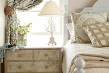 Cottage Bedroom / by Laurie Holland