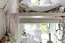 cottage style / by Amanda Andrews
