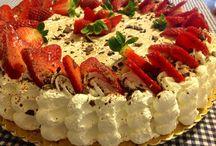 Torta di fragole / Pandispagna all arancia con crema chantilly all arancia, bagna di Gran Marnier e fragole...