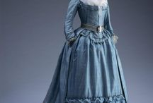 """Projects: 1780s robe à l'anglaise / 1780s robe à l'anglaise with a """"zone"""" front."""