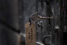 ajtók, zárak, kulcsok..
