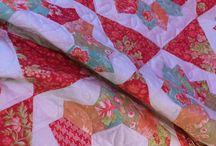 Quilt Tournesol / Vos quilts tournesol faits avec les gabarits Kite and Crown 2'' de Marti Michell, ainsi que le set G et la règle 60°. Infos sur le blog des Ouvrages de Nat.