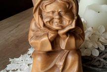 Скульптура Carving Wood