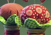 Pin Cushions / by Janeal Wells