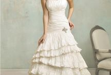 Vintage Wedding Dresses / Amazing vintage inspired wedding dresses. Enjoy!