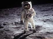 Guarda che Luna / Raccolta di fonti su ogni tipo di ipotesi di complotti e o stranezze. Un modo per cercare di capirci qualcosa o di uscirne più confusi di prima.  Buon divertimento...