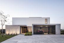 Domy jednorodzinne - Garaże