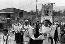 processioni che manifestano la religiositá di un popolo