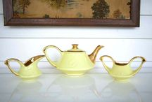 I want! Pearl China Co. Hand Decorated 24kt Gold Trimmed Teapot Set Yellow Retro Vintage Art Deco Tea Creamer Sugar http://www.etsy.com/listing/269553384