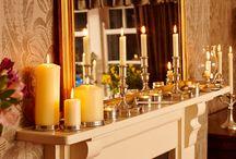Illuminazione - gli ultimi fuochi / Il fascino senza tempo di candele e candelabri, per accendere suggestioni magiche in tutta la casa.