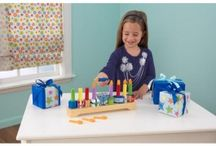 ✪ Play / Personalize Holiday Gifts and Play for the Holidays with Kids Kitchen Sets, Activity Tables (compatible with Lego), Train Sets, Dolls (18 inch Dolls), Dollhouses with toy accessories Wooden Blocks, Kitchen Cookware, Floor Puzzles, and Doll Furniture.