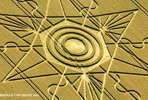 Crop Glyphs And Formations / Messages from our off-world friends.